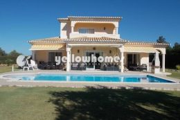 Spacious 3 bed Villa overlooking the golf course near...