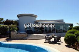 Luxuosa moradia V4 com piscina de água salgada perto...