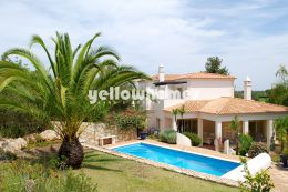 3-bed villa located at a Golf Resort wit amazing views...