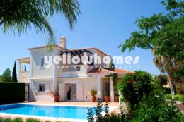 4-bedroom detached villa with country views in a Golf...