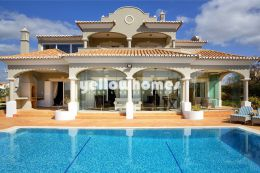 Luxury 4-bed villa at a Golf Resort near Carvoeiro