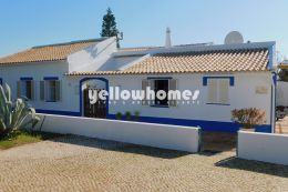Quinta with large plot of land in beautiful country...