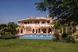 High quality 5-bed villas on a renowned Golf Resort...