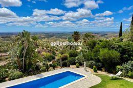 Idyllisches Einfamilienhaus mit Pool und Panoramablick nahe Monchique