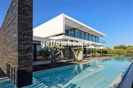 Traumhafte, moderne Luxusvilla am Golfplatz in Vilamoura zum Kauf