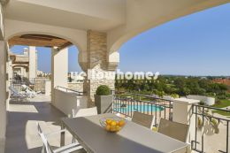 Spacious Penthouse apartment with roof terrace...
