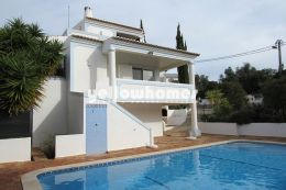 Attractive three bedroom villa with private pool in...