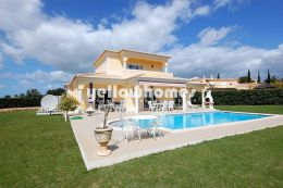 Impressive four bedroom villa on a prestigious Golf resort