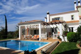 Elegant 3-bed villa on a prestigious golf resort near...