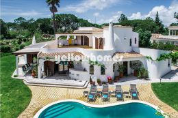 Detached 5-bed villa with views to the pine forest...