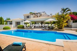Immaculately maintained 7-bedroom villa in Quinta...