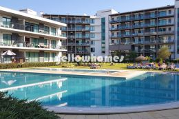 Wonderful 2-bed apartment with garden-/pool views in...