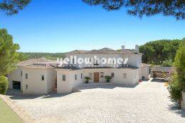 Immense villa near golf course in Quinta do Lago