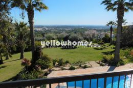 Charming 4 bed sea view property with annex near Loule...