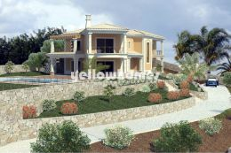 Luxurious 4-bed villa with panoramic coastal views