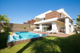 Contemporary Algarve Living close to Falesia beach...