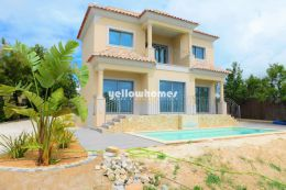 Newly built 3-bedroom villa with country and sea views