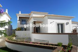 Modern 3+1 bed villa in a private condominium of Vilamoura
