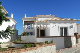 Modern 5 bed Villa in a private condominium in Vilamoura