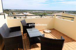 Cosy semi-detached villa with small garden in Faro...