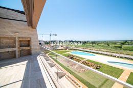 Neubau Penthousewohnung mit traumhaftem Meer und Golfblick in Vilamoura
