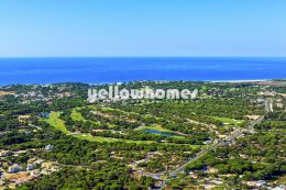 Large building plot with uninterrupted views of the...
