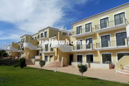 Modern 2 bedroom apartment near Acoteias