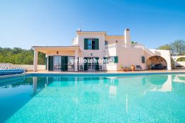 A 4-bedroom villa with central heating and pool near...