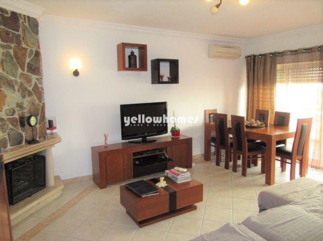 Wohnzimmer von Makellose 3 SZ Wohnung mit großer Veranda und Tiefgarage in Tavira