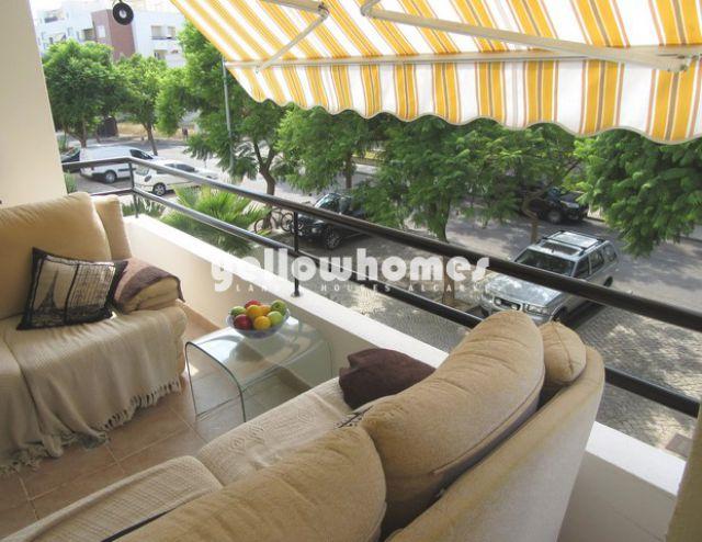 Schöne 3 SZ-Wohnung mit Balkonen in grünen Wohngegend in Tavira