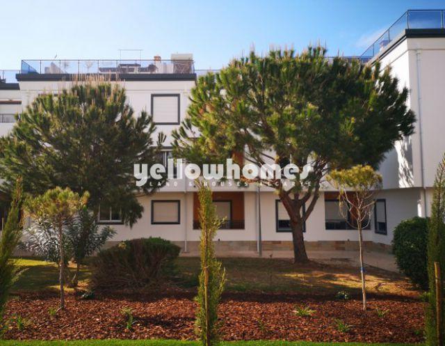 Hochwertige Wohnung mit Dachterrasse & Garage nahe Strand und Golf in Conceicao de Tavira