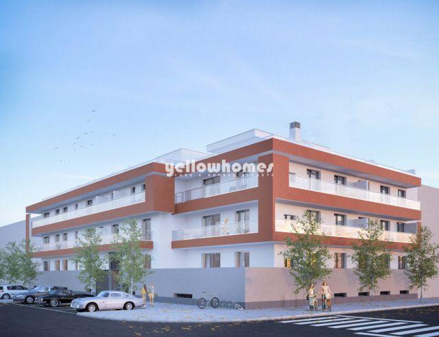 Tavira Zentrum - Moderne 1 SZ Wohnung mit Dachterrasse, Pool und Garage