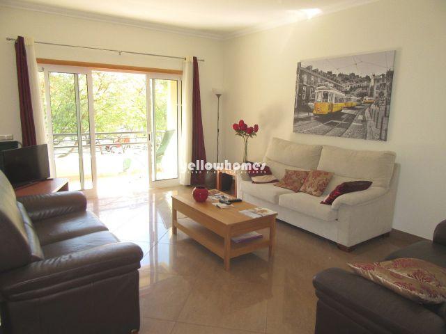 Schöne 1 SZ Wohnung mit Pool und Garage in Tavira
