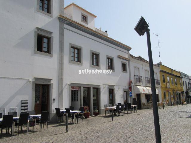Wohnung mit grosser privaten Terrasse und ausgezeichneter Lage im Zentrum von Tavira