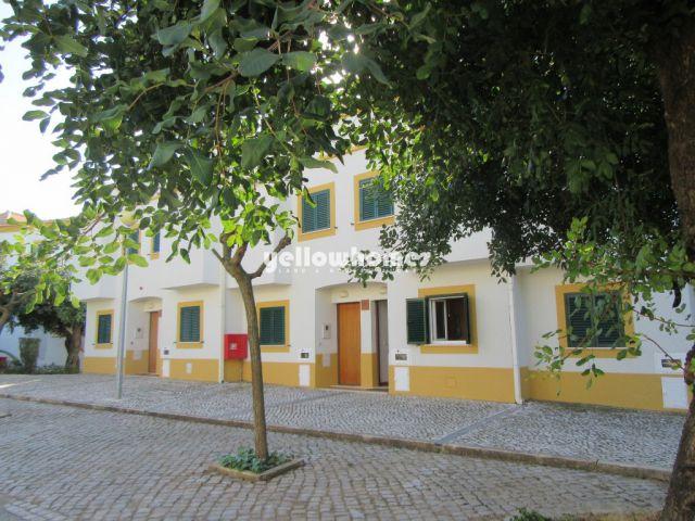 Schönes 2 SZ Reihenhaus zu verkaufen in grünem Ferienresort in Tavira