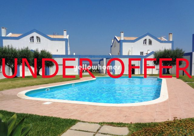 Makelloses Ferienhaus mit Pool, großer Terrasse und tollem Blick in Alto de Perogil