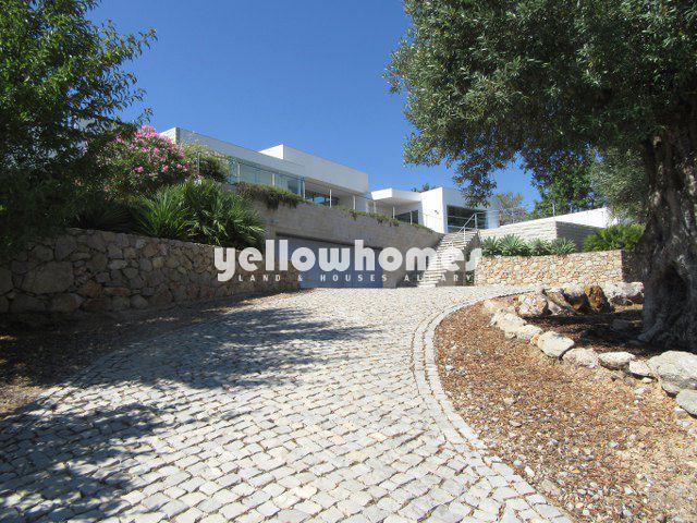 oderne erstklassige Villa mit Pool und fabelhaftem Meerblick nahe Tavira