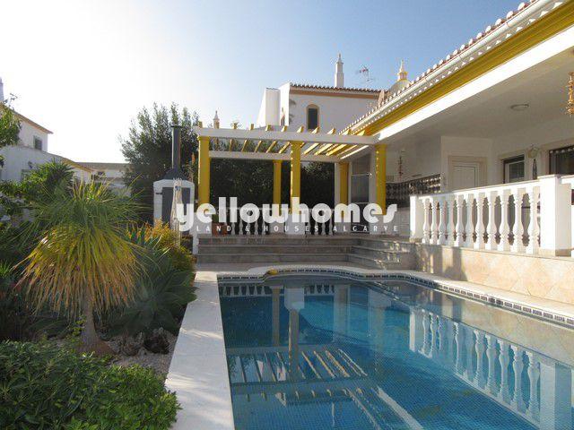 Villa nahe Castro Marim Golf mit Pool, Garage und freiem Blick