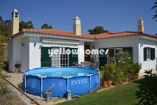 3 SZ Villa zu verkaufen in ruhiger und gruener Nachbarschaft nahe Odiaxere