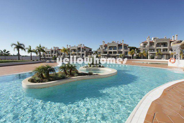Einzigartigen 2 SZ Luxus Eigentumswohnungen mit pool zu verkaufen in einem bekannten Golfresort bei Vilamoura