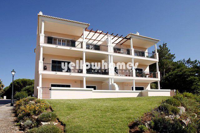 Schönes Apartment zu verkaufen in der Nähe der Tennis Academy und Meer bei Vale do Lobo
