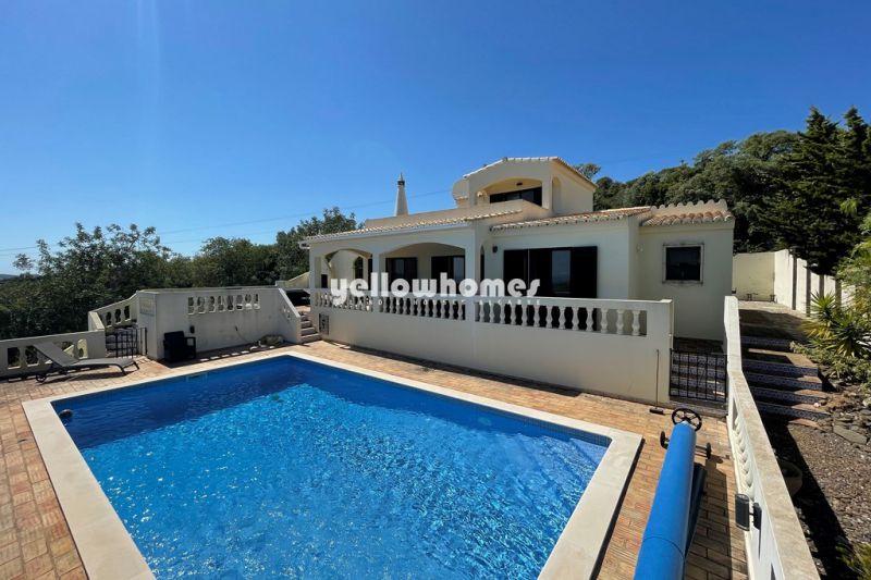 Fantastic 3-bed Villa with panoramic sea views a hill near Santa Barbara