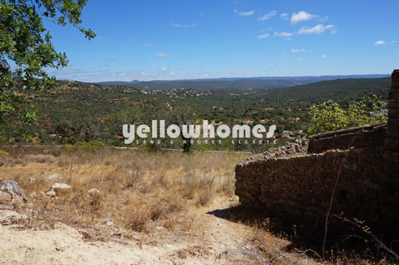 Plot to build a villa up to 400m2 overlooking the countryside