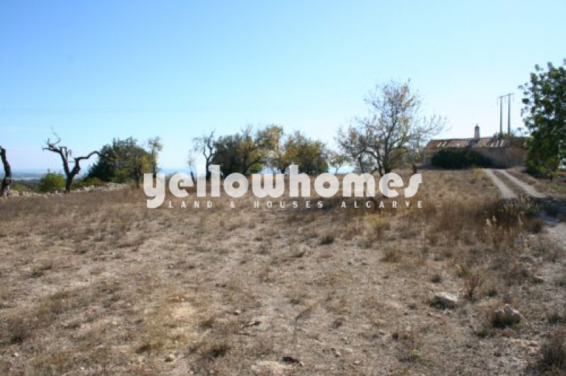 Plot of land with project for a single storey villa