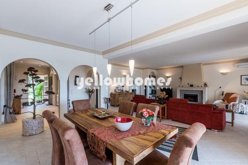 Stunning 3 (+1) bedroom villa with sea views near Estoi