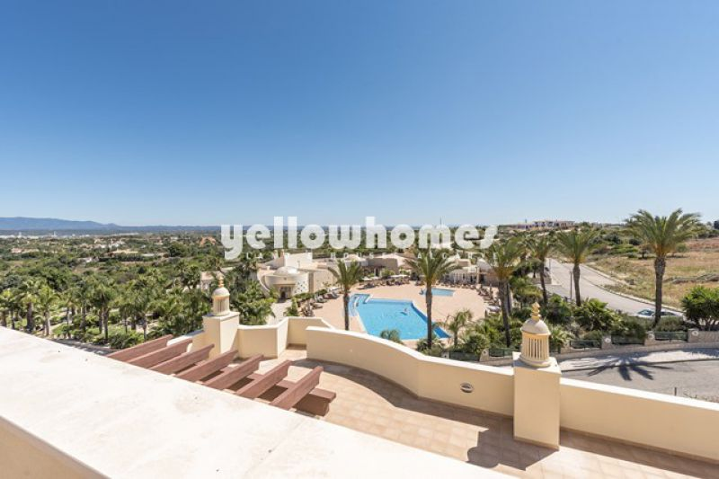 Beautiful 3 bed penthouse apartment in a premium resort near Ferragudo