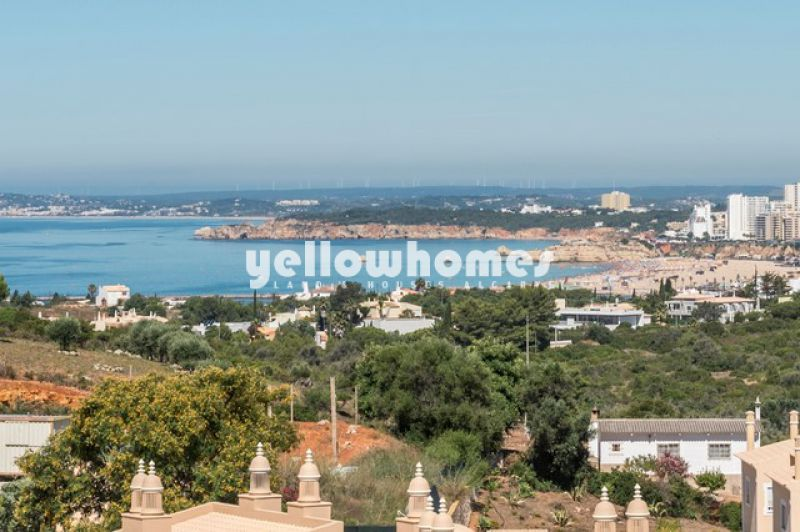 Spacious 3 bed penthouse apartment with stunning views near Ferragudo