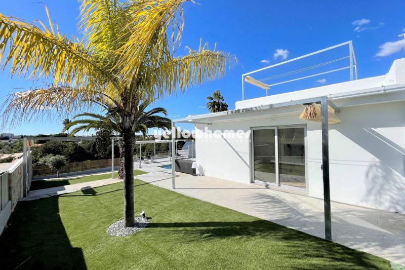 Moradia moderna V3+1 com piscina perto da praia e comodidades