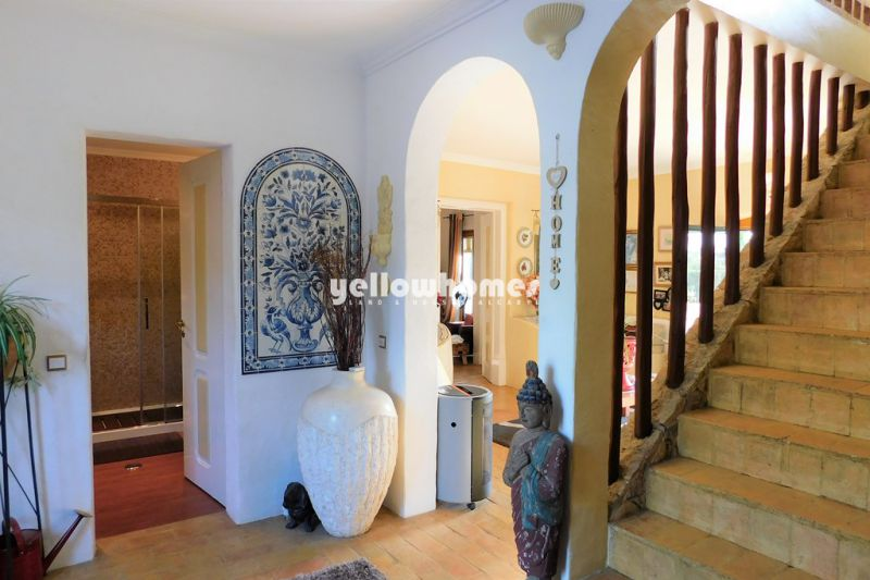 Charming and well maintained 3+1 bedroom villa with pool near Loule