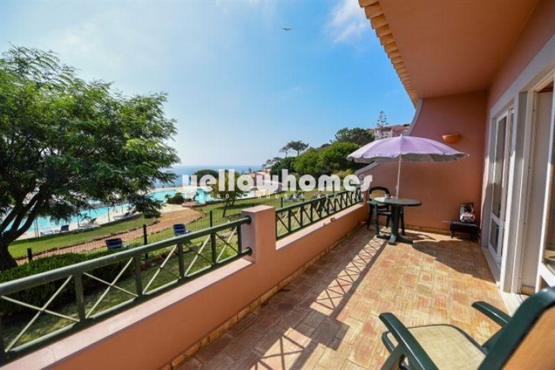 Apartamento T2 com vista mar e piscina comum na Praia da Luz